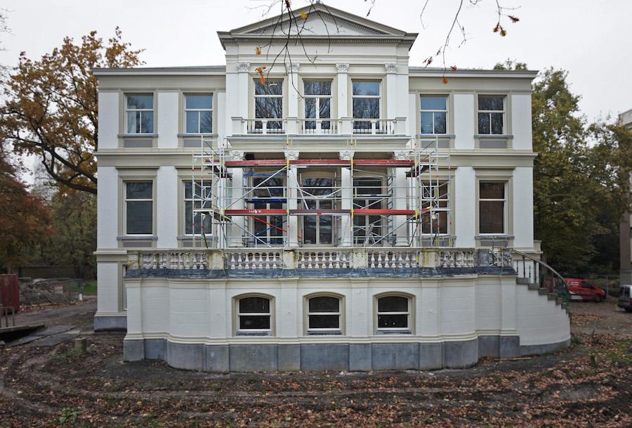18e eeuwse Villa met koetshuis aan de Parklaan in Rotterdam.
